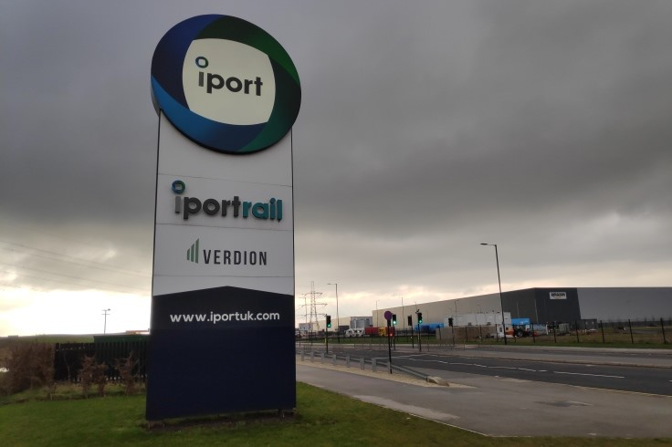 iPort sign web