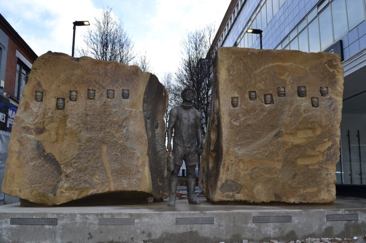 Doncaster's mining statue web