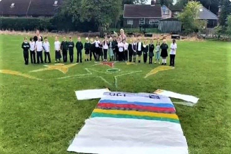 Thorne Greentop Primary School Land Art