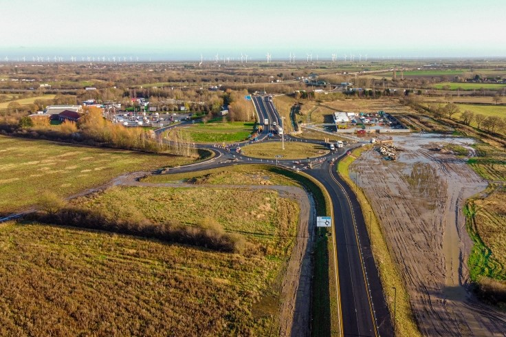 Unity Way looking towards Junction 5 of the M18